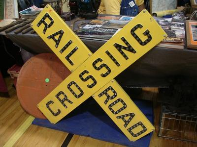 Railroad crossing sign pic